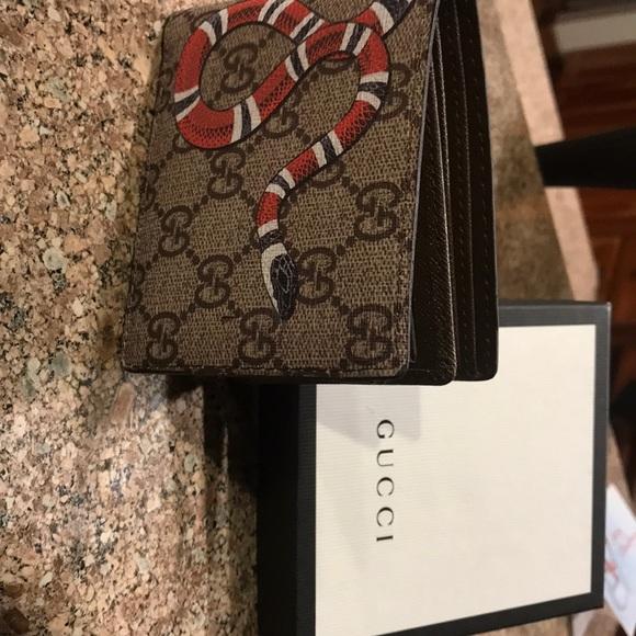 45f886ff6d5d Gucci king snake wallet. M_5a580d00d39ca2981c186bcf